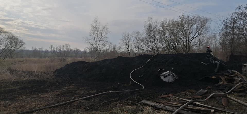 На Стрийщині 8 рятувальників гасили пожежу на відкритій території, фото-1