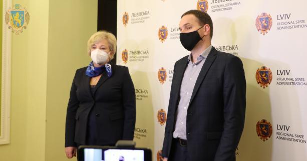 Завантаженість «коронавірусної» ліжкової мережі на Львівщині складає 56,3 %, фото-1