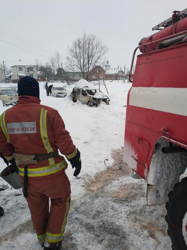 На Стрийщині згорів автомобіль  «Peugeot Partner», фото-1